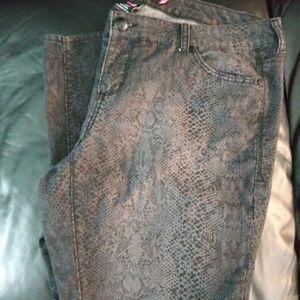 Torrid Grey Animal Print Jeans Size 16